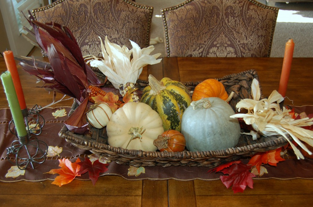 Thanksgiving Holiday Table Decorating Ideas
