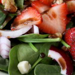spinach walnut strawberry salad