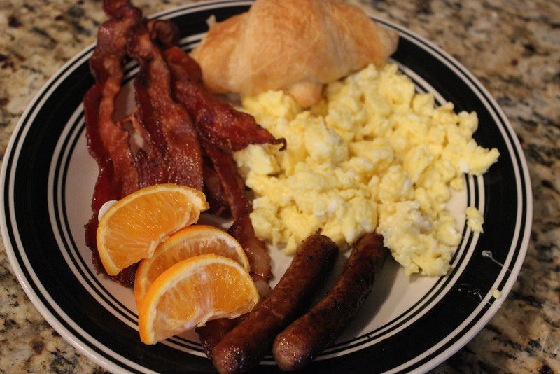 Breakfast-Breakfast Buffet-Holiday Meal-Sam's Club-bacon and eggs