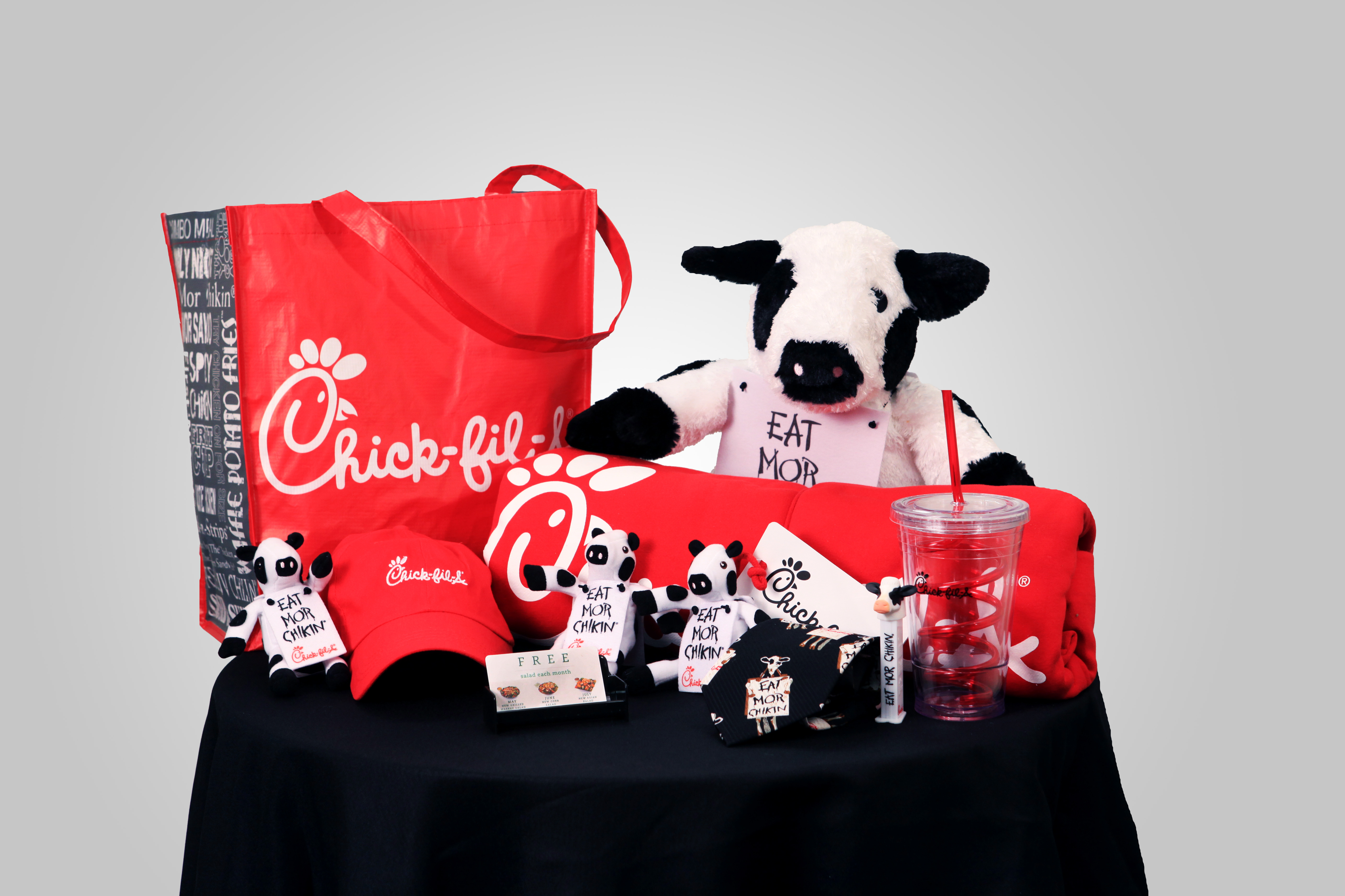 chick fil a giveaway chick fil a 174 giveaway win a chick fil a gift bag mom it 8329